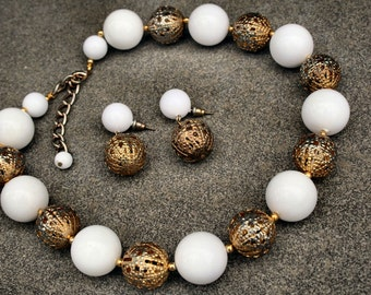 Vintage Chunky White and Gold Filigree Beaded Necklace and Matching Earrings - Winter Fashion - Party Time