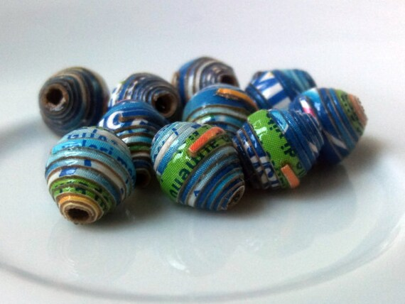 10 paper beads - blue -