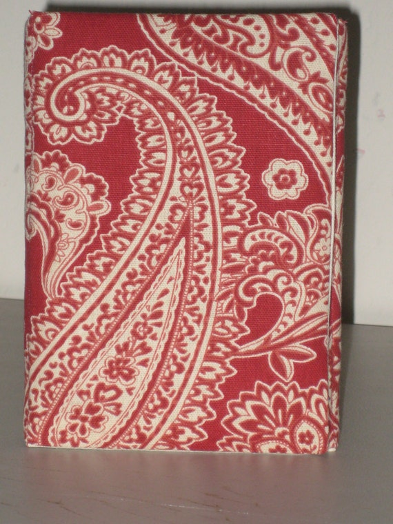 Red Paisley Padded Ereader Cover