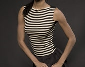 ruffles by indie collective - sleeveless, bi-material top, reversible from front to back