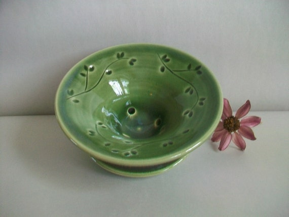 Soap Dish - Lovely Deep Green with a Carved and Pressed Design