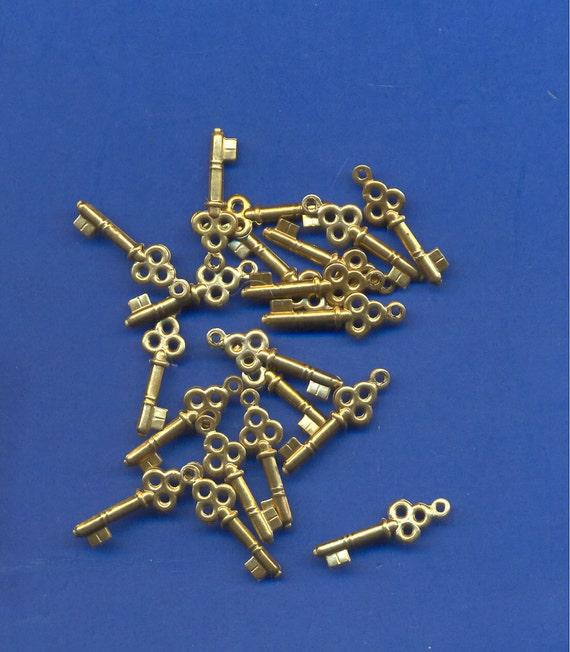 16 Brass Key Charms, Beads, 23mm