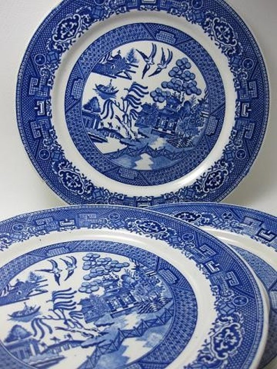 Vintage 1940s Homer Laughlin Blue Willow Luncheon Plates Set