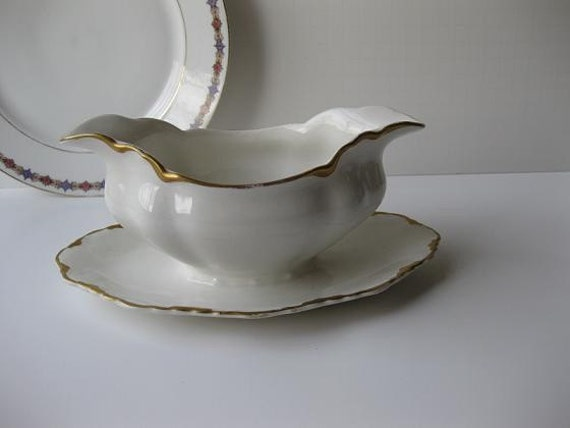 Vintage White and Gold Johnson Bros Gravyboat with Attached Underplate - Elegant