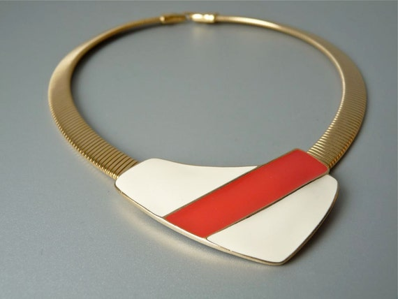 Vintage Trifari modernist red and white enamel pendant necklace with snake chain