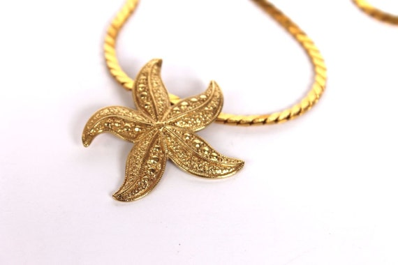 SALE Starfish Vintage 1970s 80s Gold Necklace