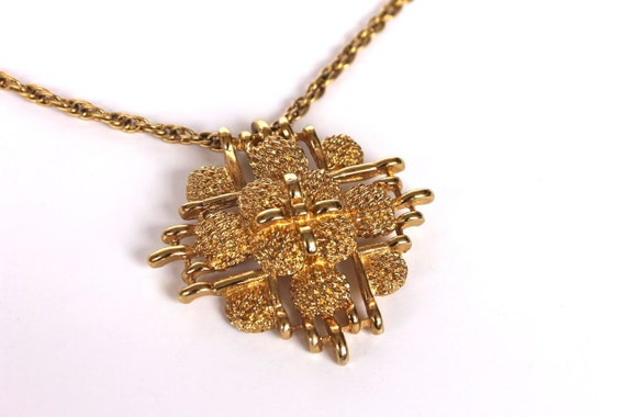 Vintage Gold 1970s 80s Chunky Cluster Pendant Necklace
