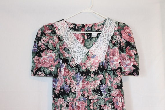 Vintage 1990s Grunge Floral Laced Collar Long Dress