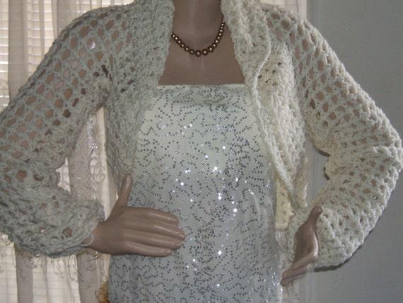 Long Sleeves Crochet Bridal Wedding Shrug Jacket in Off White