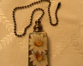 Ceiling Fan/Light Pull with Daisies