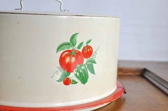 Vintage Vegetable Cake Carrier