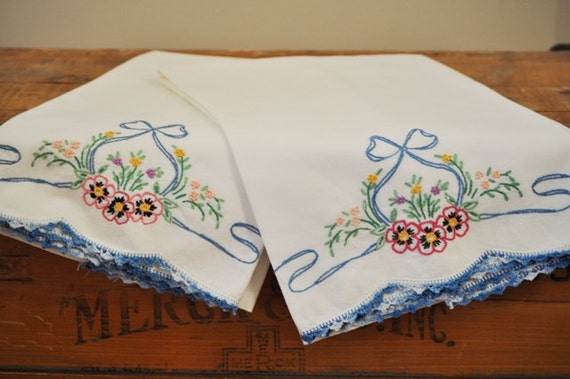 Vintage Embroidered Pillowcase Pair
