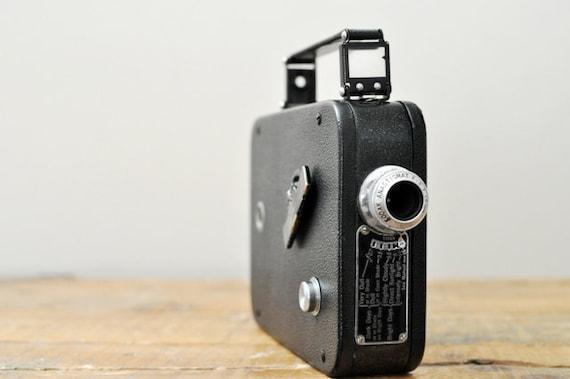 Vintage Cine Kodak Eight Movie Camera Model 25 with Leather Case