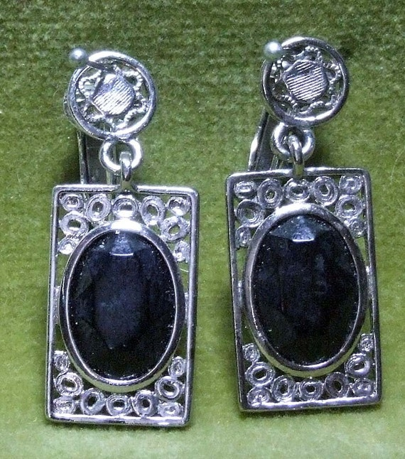 Vintage 1960s Emmons Square Clip On Earrings Black Center Carved Faceted Stone Art Deco Style