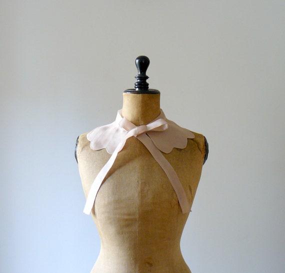 Vintage silk dress collar. Scallopped dusty pink applique collar. Wedding collar
