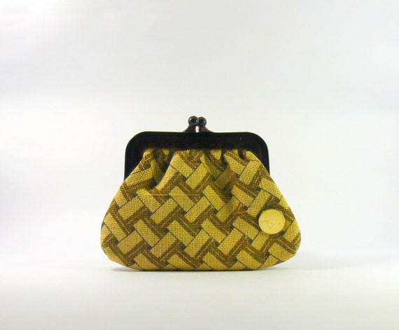 Vintage 1970s bakelite frame woven wallet. yellow and brown print small clutch