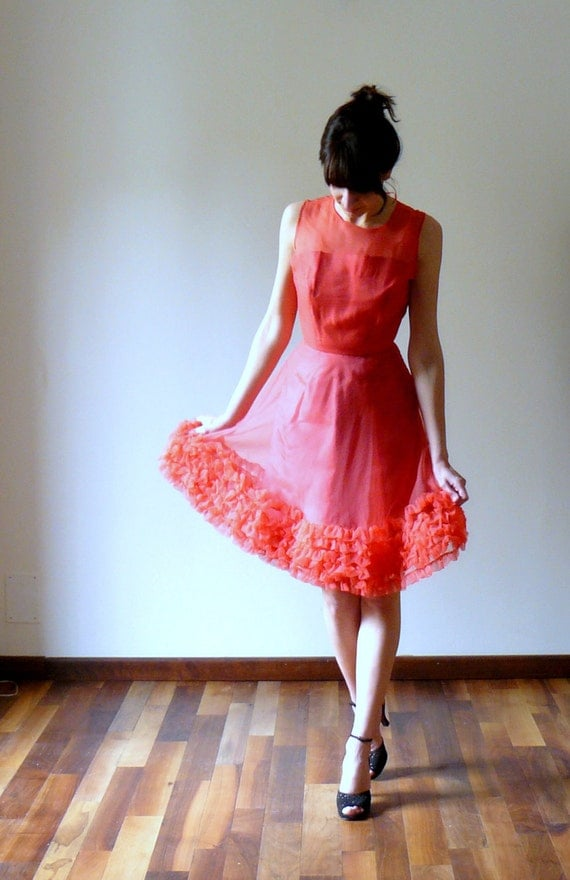 Vintage 1950s red ruffle party dress. sweetheart dress
