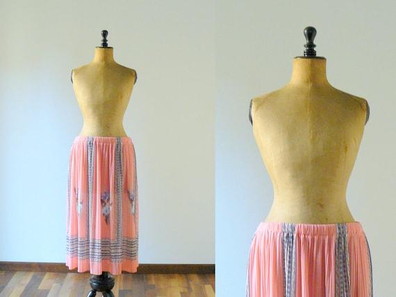 RESERVED // Vintage maxi skirt. Vintage pleated skirt. 1980s deadstock pink skirt. floral print long skirt