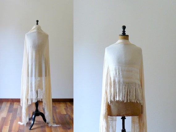 Vintage 1920s chiffon silk ivory piano shawl. wedding shawl