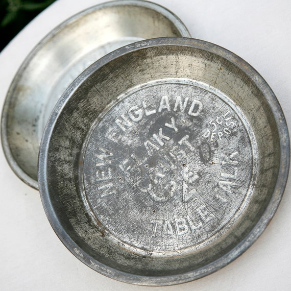 Vintage New England Table Talk Pie Tins Set Of Two