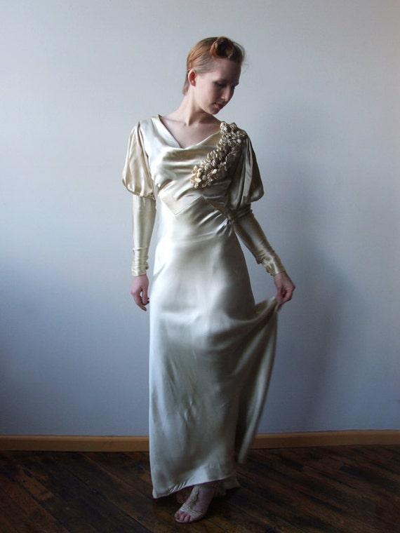 1930s Cream Satin Art Deco Nouveau Wedding Dress Ribbon Roses Fishtail Hem