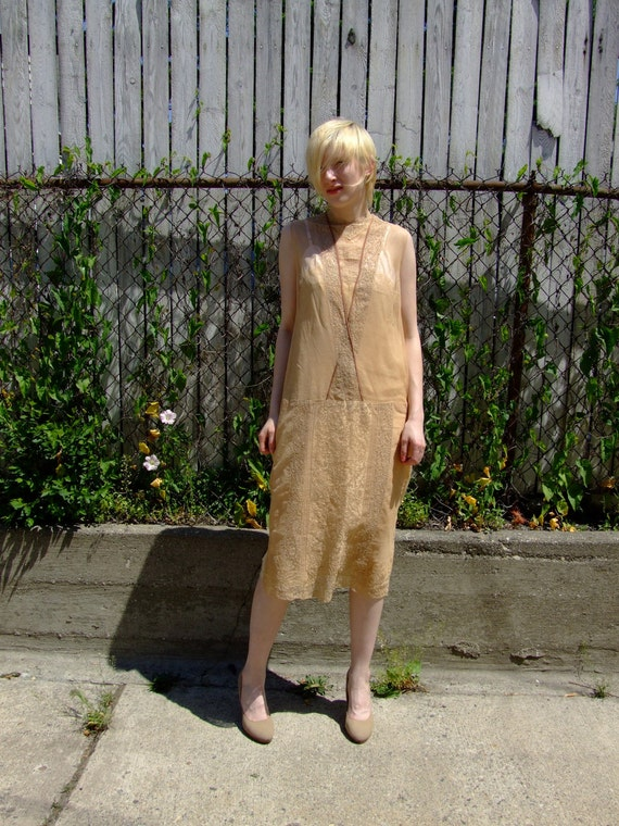 R e s e r v e d // 1920s Classic FITZGERALD FLAPPER Lace and Netting Dropwaist Dress