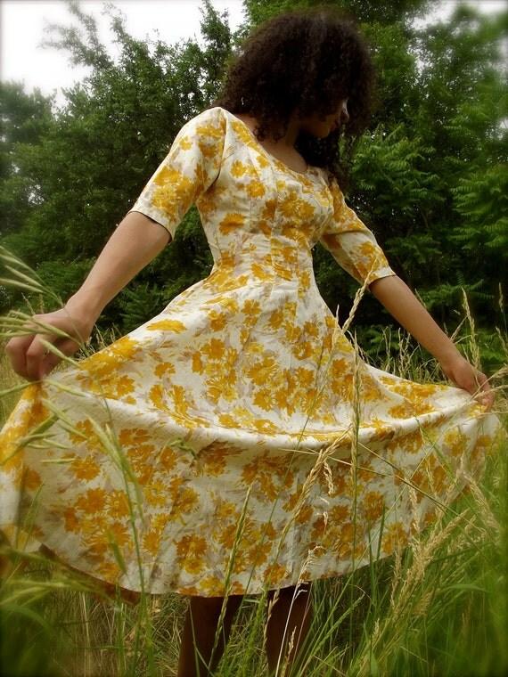 1950s Semi-Formal GOLDEN BOUQET Taffeta Dress Full Skirt Pleated Nipped Waist Cupcake