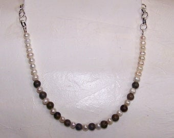Pearl and Wood Grain Necklace    203
