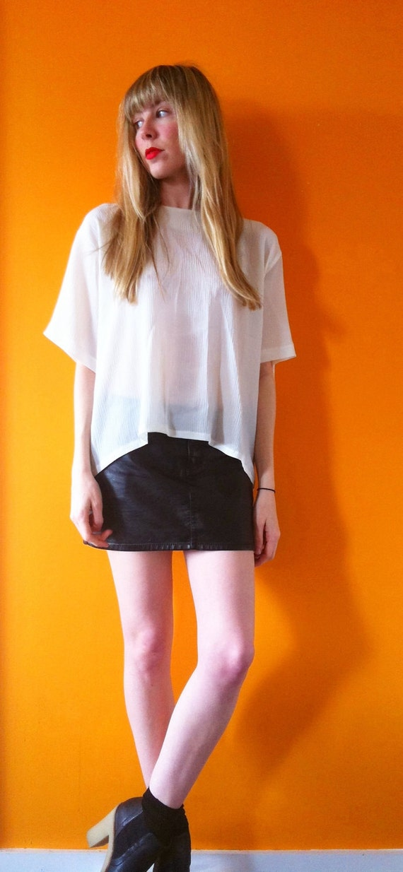 Vintage sheer off white box fit blouse (m/l)
