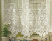 Crocheted Curtain - Flowers