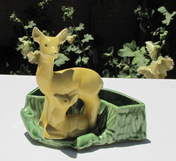 Shawnee Deer and Fawn Planter