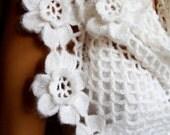 Hand Crochet White Shawl, Bridal Shawl ,Holiday Accessoeies, Lace Woman Fashion, Winter Accessories, Trendy, Feminine