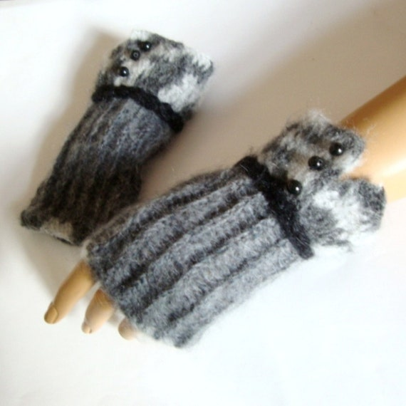 Half finger Fingerless Gloves, Mitten, Armwarmer, Winter Accessories, Fall Fashion, Hand Made Gray Gloves, Holiday Accessories