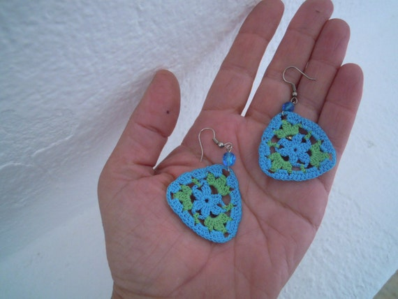crochet earrings, green and turquoise