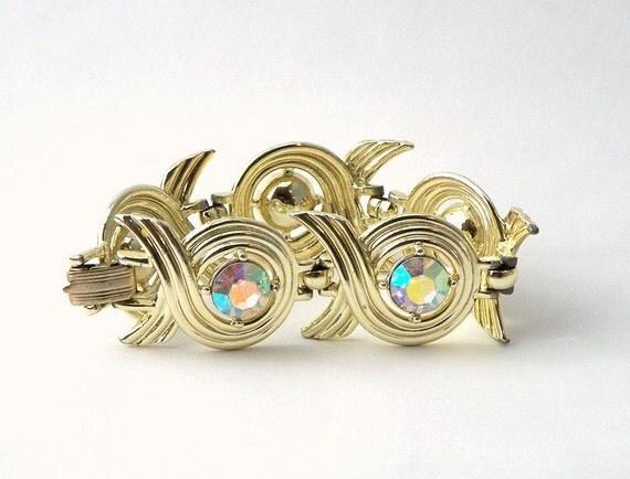 Gold Tone Link Bracelet with Rhinestones