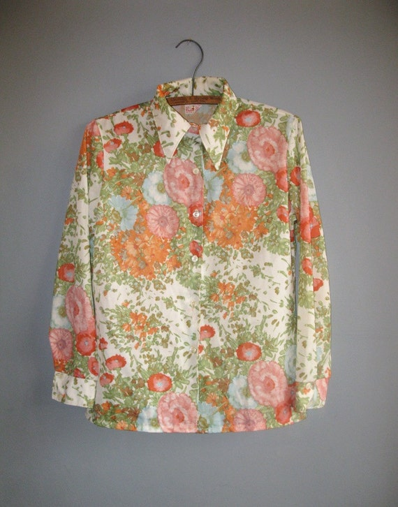 Sweet early spring 70's floral blouse long sleeves