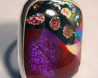Statement Ring  Size 7 Dichroic Glass Sterling Silver Magenta Handmade by Lisajoy Sachs Design One of a Kind Cocktail Fashion Unique Unusual