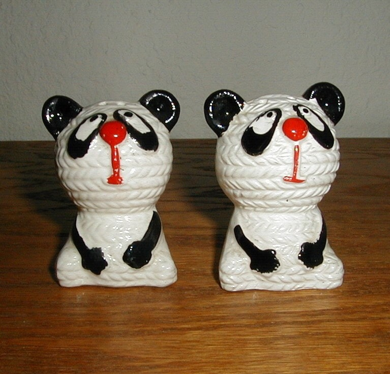 Unusual Vintage Panda Bear Salt And Pepper Shakers Japan
