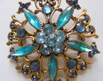 It is all in the Colors Vintage Brooch