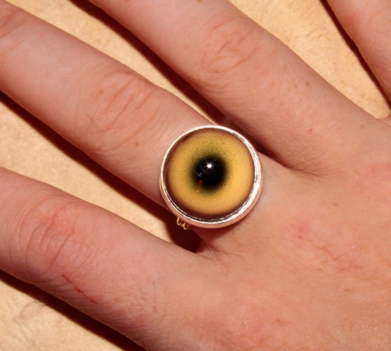 Taxidermy Green Glass WOLF Eye Ring in Silver