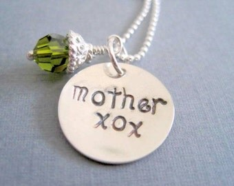 Hand Stamped mother xox necklace, sterling silver pendant green crystal by Marybeadz