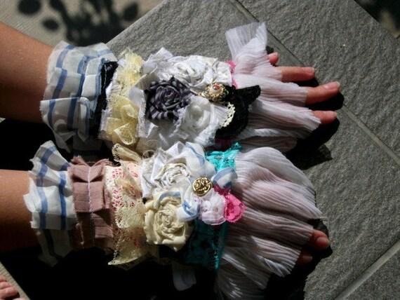 marie antoinette cuff, textile cuff, ruffles, lace cuff,jane austen, romance,wedding, accessoires,shabby chic,lolita