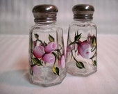 Salt and pepper shakers-painted salt and pepper shakers-paitned pink Rosebuds