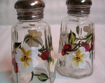 Salt and pepper shakers, hand painted salt and pepper shakers, salt and pepper shakers with white flowers and red berries