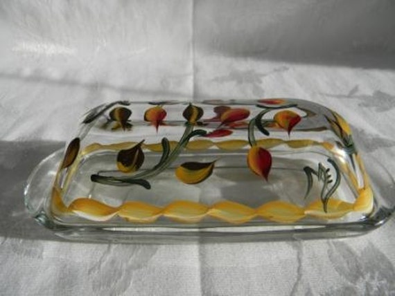 Butter dish, butter dish with lid, covered butter dish, butter dish with leaves, glass butter dish