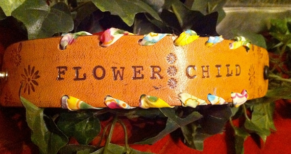 FLOWER CHILD leather wristband with snap closure