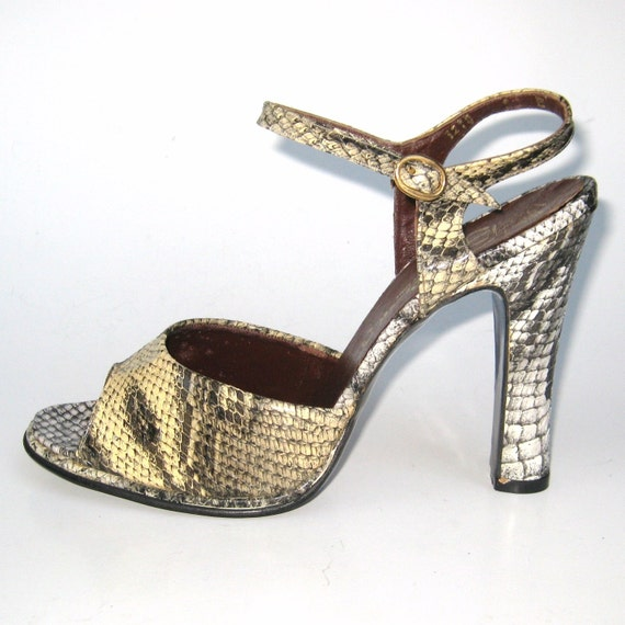 Vintage 60s 70s Shoes Unworn Glam New Old Stock Faux Snake Skin Peep Toe High Heel Disco Heels 6.5