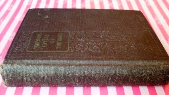 Tennyson 's Idylls of the King Hard Cover Book 1927