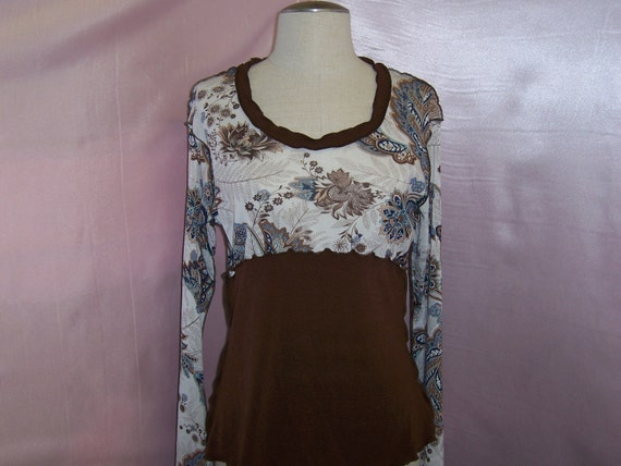 Brown color top with floral print (v110)