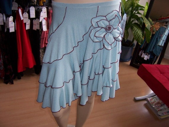 Light blue skirt with rose decoration and ruffled edging detailing (v45)
